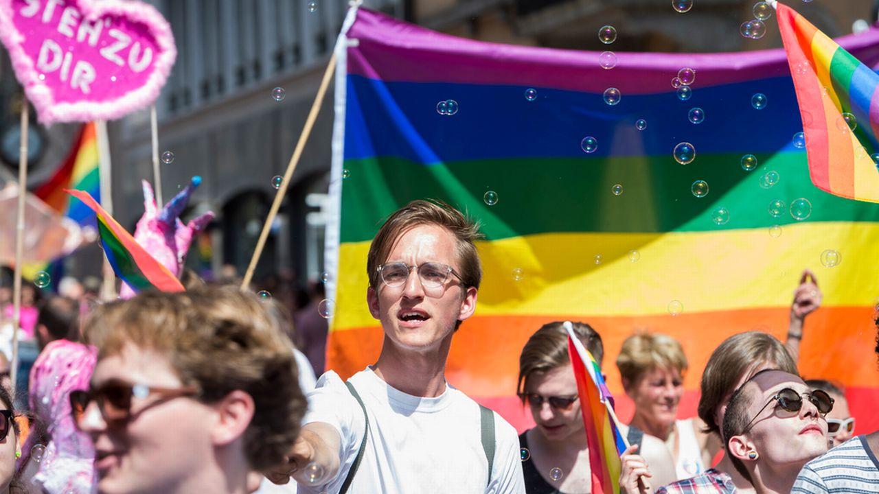 Les Verts'libéraux ont déposé une initiative parlementaire en 2013, visant à ouvrir le mariage civil à tous (photo d'illustration). [Dominic Steinmann - Keystone]