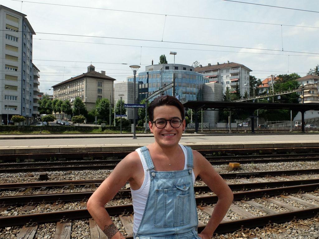 site de rencontre gay en suisse à Saint-Pierre