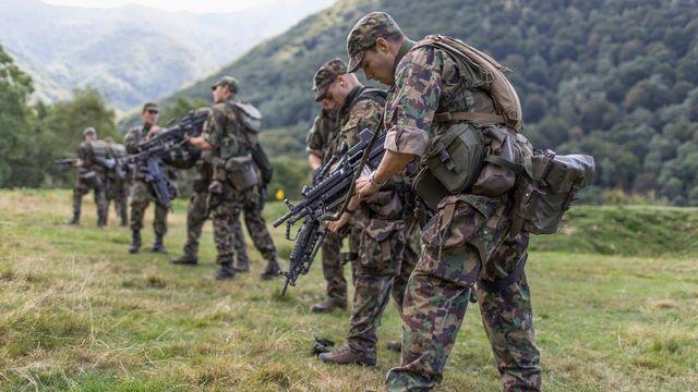 Quatre cours de répétition ont été déplacés pour disposer de bataillons mobilisables. [Gaëtan Bally - Keystone]