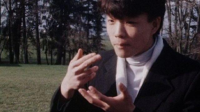 Le langage des gestes en 1988. [RTS]