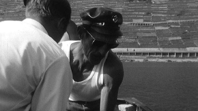 Les pêcheurs du Léman repeuplent le lac, 1967. [RTS]