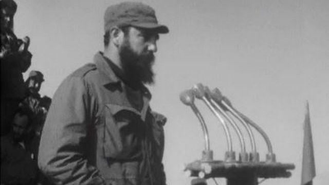 Fidel Castro est contraint à une ouverture vers les Etats-Unis. [RTS]