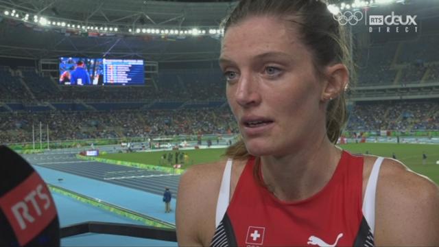 Athlétisme, 400m haies (3e série): Léa Sprunger (SUI) tente d'expliquer sa mésaventure (interview) [RTS]