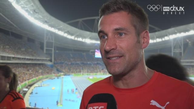 Laurent Meuwly parle de son athlète au micro de la RTS [RTS]