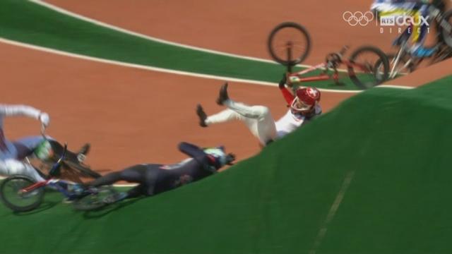 BMX messieurs, ¼ : grosse chute de David Graf (SUI) lors de son premier run [RTS]