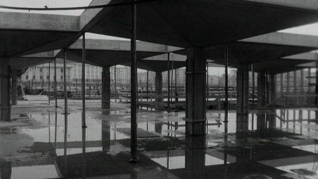 Chantier de la piscine des Vernets en 1965. [RTS]