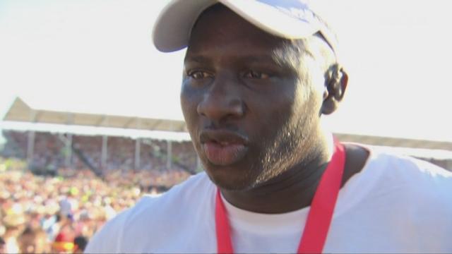 lutte: le Sénégalais, Dieylani Pouye, répond aux questions de Marc-André Berset et affiche ses grandes ambitions [RTS]