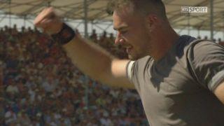 Finale, lancée de la pierre d'Unspunnen: Remo Schuler prend la première place avec 3.76 mètres [RTS]