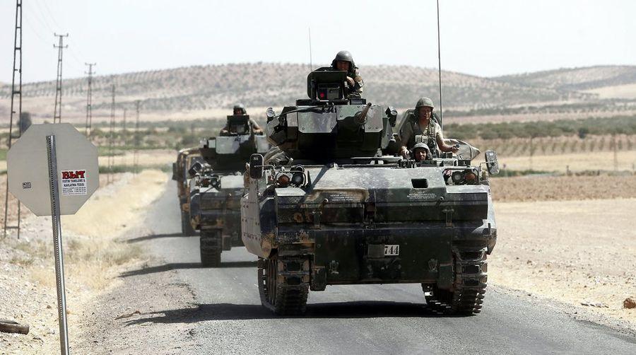 L'armée turque dispose actuellement d'une cinquantaine de chars et de centaines de soldats sur le sol syrien.