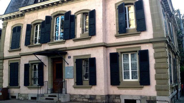Le bâtiment de l'association ESPAS à Lausanne. [Véronique Marti - RTS]