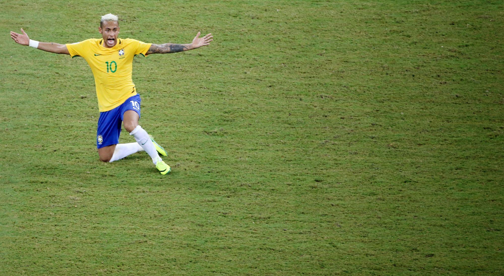 La Seleção s'impose à la maison — Brésil-Colombie