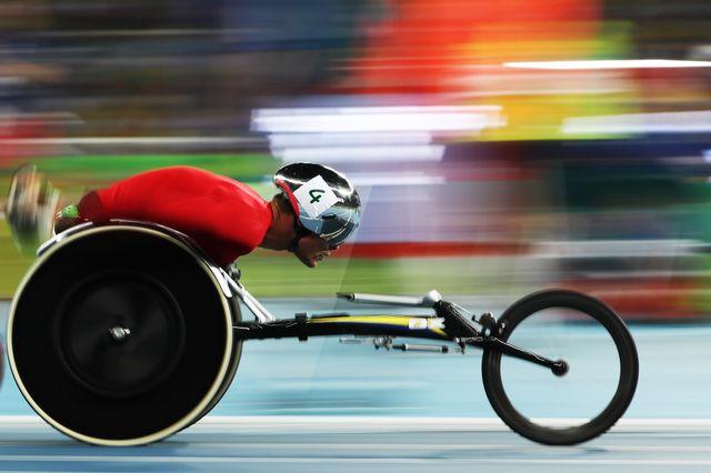 Marcel Hug a tenu son rang pour cueillir l'argent sur 5000 m en fauteuil roulant. [Daniel Ramalho - AFP]