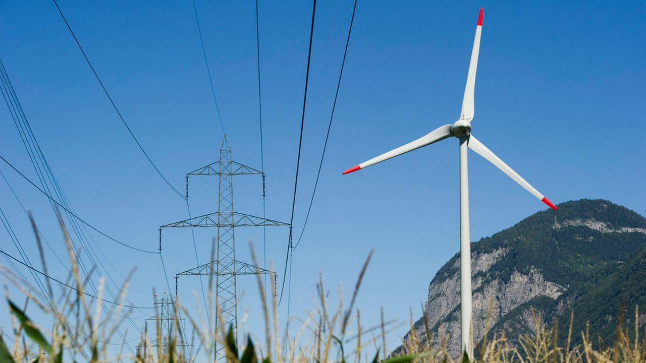La stratégie énergétique 2050 est un paquet de mesures censé entériner le tournant énergétique décidé par le Conseil fédéral après la catastrophe de Fukushima. [Jean-Christophe Bott - Keystone]