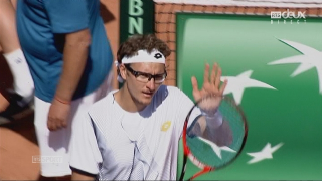 Barrage - Ouzbékistan - Suisse (6-3, 6-2, 6-4): Denis Istomin (UZB) apport le 1er point à son équipe en remportant ce 3e set [RTS]