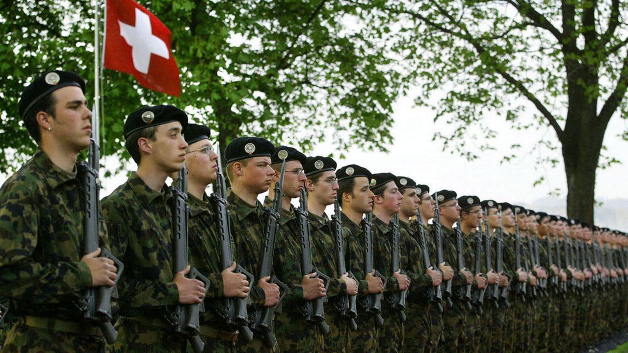 Le nouveau chef de l'armée doit être officiellement désigné en septembre. [Alessandro della Valle - Keystone]