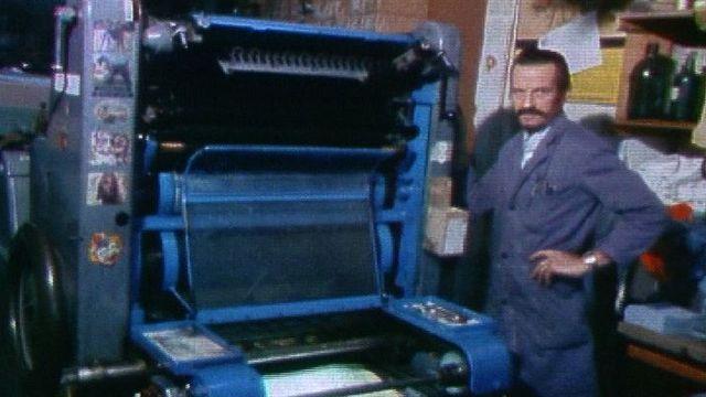 La fabrication des cartons de loto en 1983. [RTS]