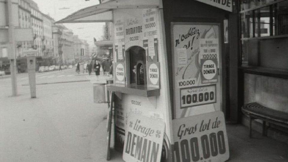 Kiosque de la Loterie Romande en 1969. [RTS]