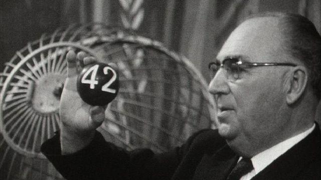 Tirage de la loterie à numéros en 1969. [RTS]