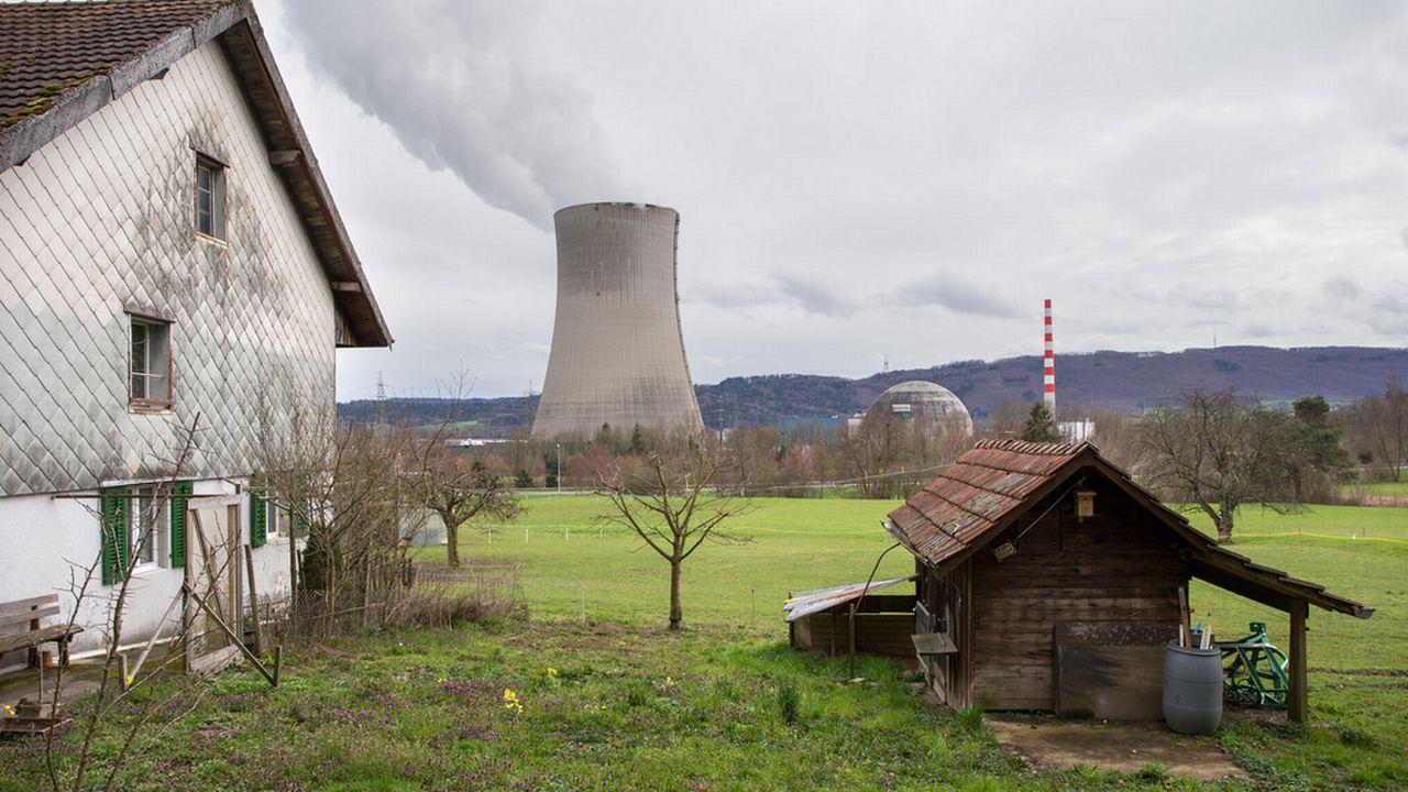 La tour de refroidissement de la centrale de Gösgen, dans le canton de Soleure. [Peter Klaunzer - Keystone]