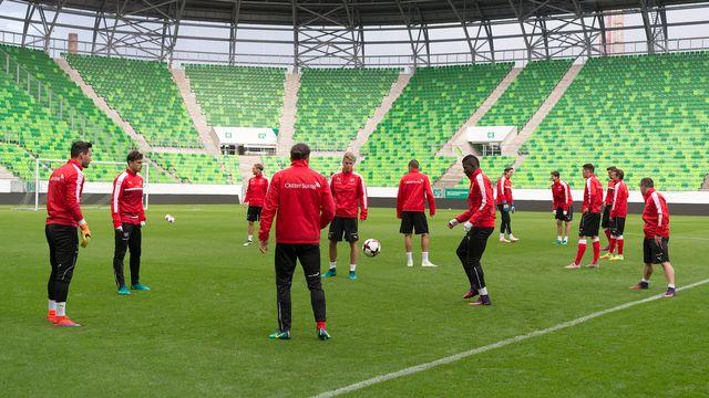 L'équipe suisse de football en entraînement à Budapest. [Georgios Kefalas - Keystone]