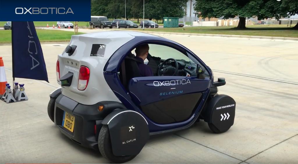 premiers tests d 39 une voiture sans conducteur sur les routes britanniques sciences tech. Black Bedroom Furniture Sets. Home Design Ideas