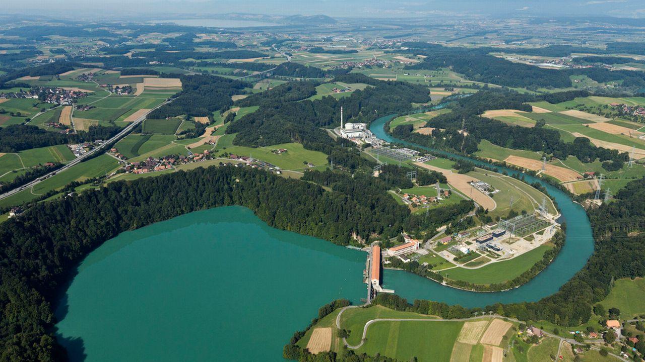 La centrale de Mühleberg déverse ses eaux dans l'Aar. [Alessandro Della Bella - Keystone]