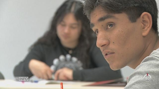 NE: les autorités proposent à de jeunes migrants de suivre une formation professionnelle [RTS]