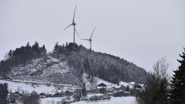 Les éoliennes de Saint Brais, dans le Jura. [Gaël Klein - RTS]