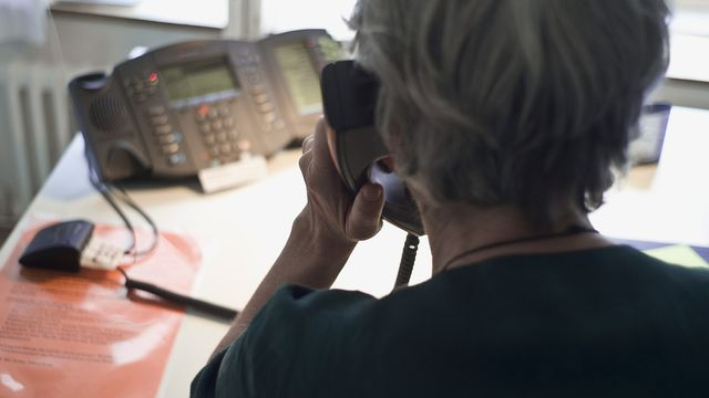 Le démarchage, notamment téléphonique, devrait être mieux protégé à l'avenir. [Keystone]