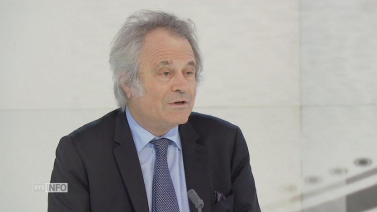 """Franz-Olivier Giesbert: """"La secte de Sarkozy a peu de relais dans le pays"""" [RTS]"""