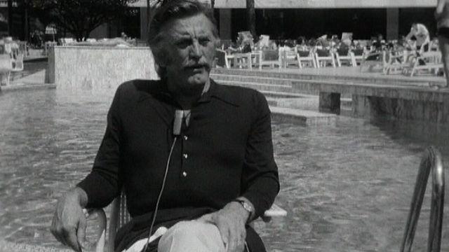Interview de Kirk Douglas en 1970 à Cannes. [RTS]