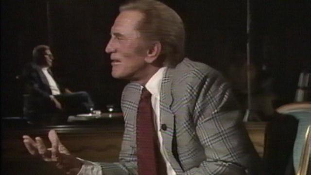 L'acteur américain Kirk Douglas sur le plateau de Spécial Cinéma en 1989. [RTS]