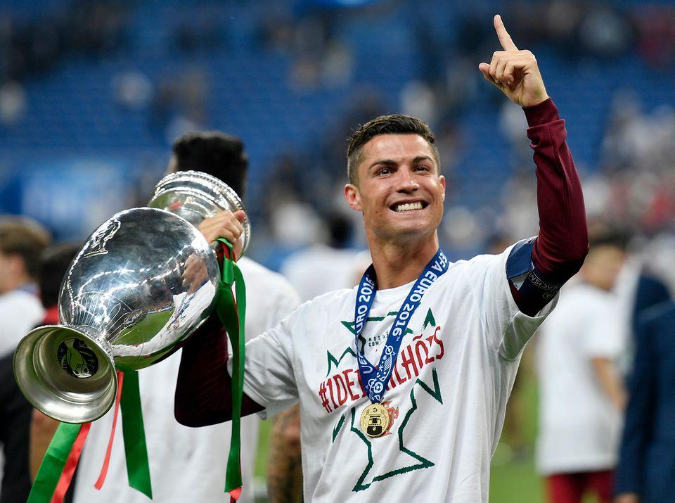 Ronaldo avait dû sortir sur blessure après 25 minutes de jeu seulement. [Martin Meissner - Keystone]