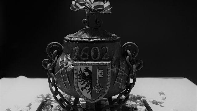 Participants costumés du cortège de l'Escalade en 1960. [RTS]