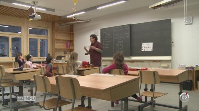 VS-Minimag: plusieurs enfants d'Evolène apprennent la langue de leurs aïeux à l'école [RTS]