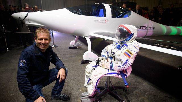 Raphaël Domjan devant le prototype de l'avion solaire SolarStratos. [Laurent Gilliéron - Keystone]