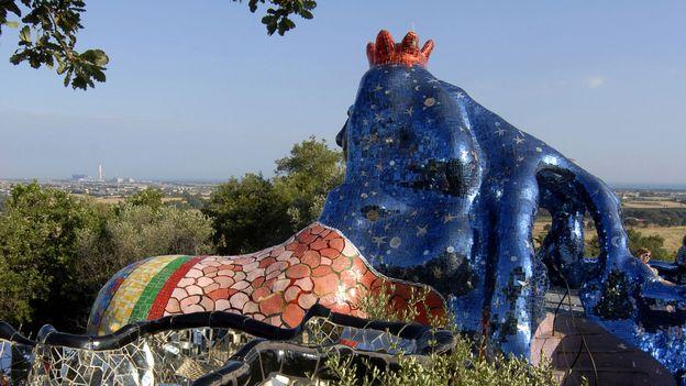 Le jardin des tarots niki de saint phalle monumental - Niki de saint phalle le jardin des tarots ...