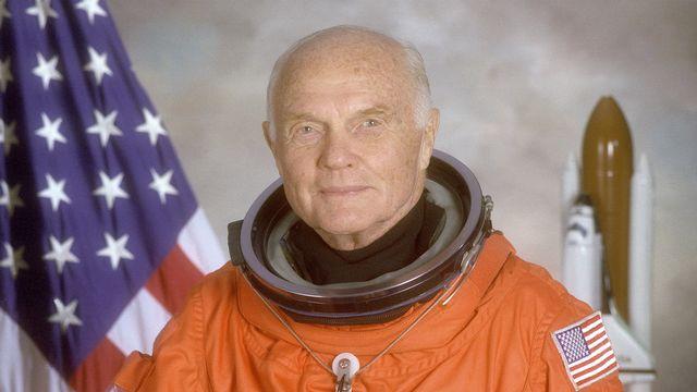 John Glenn, ici en 1998, lorsqu'il est devenu le plus vieil astronaute à aller dans l'espace. [NASA/REUTERS]
