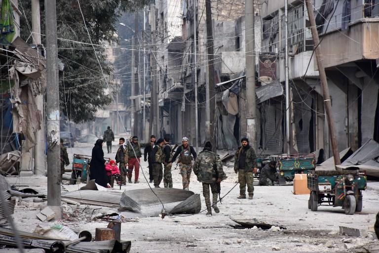 Syrie : une centaine d'enfants bloqués dans un immeuble d'Alep