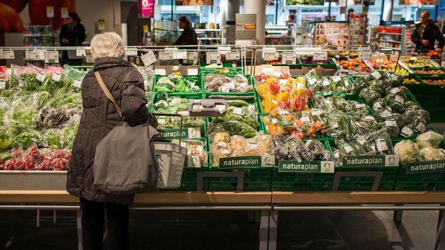 Les produits bio doivent pouvoir être distingués très clairement par les consommateurs pour qu'il n'y ait pas de risque de tromperie sur la marchandise. [Christian Beutler - KEYSTONE]