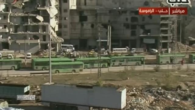 Des civils quittent un quartier rebelle d'Alep-Est — Syrie