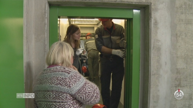 GE: un stage tente d'apprendre à maîtriser la phobie de l'ascenseur [RTS]
