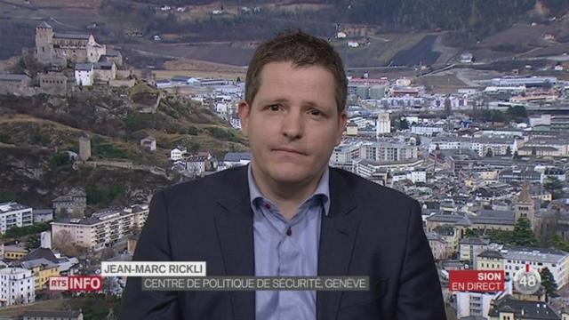 Obama accuse la Russie de piratage informatique des élections américaines: les explications de Jean-Marc Rickli, Centre de Politique de Sécurité de Genève, à Sion [RTS]