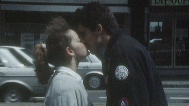 Un jeune couple d'amoureux en 1987.