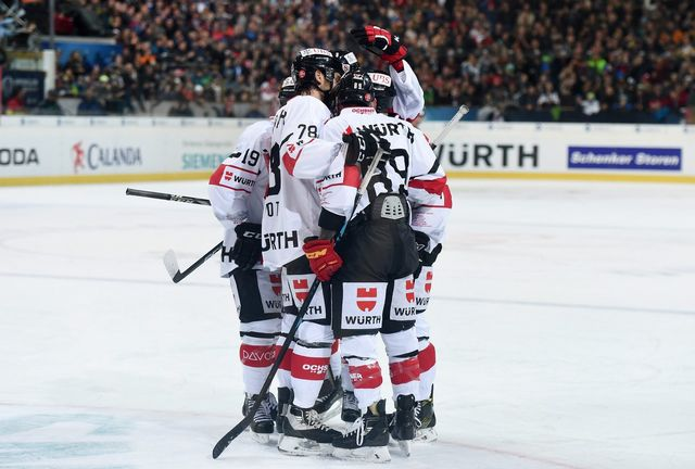Le Team Canada disputera une nouvelle finale à Davos. [Melanie Duchene - Keystone]