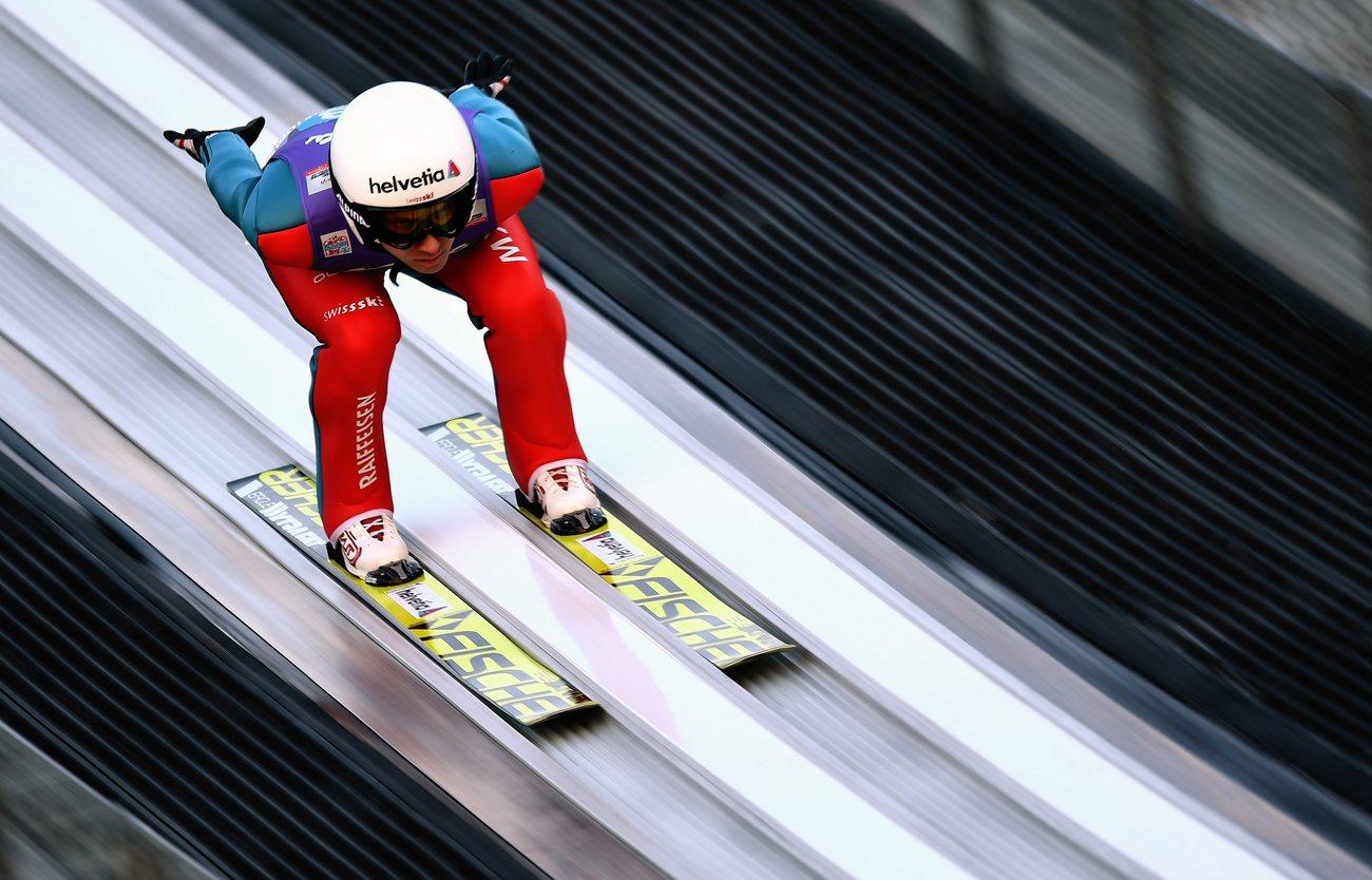 Simon Ammann 38e des qualifs à Garmisch avec un saut de — Saut