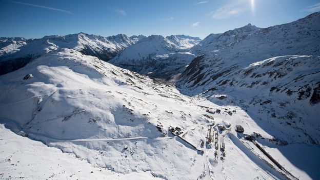 Un skieur tué par une avalanche sur les pistes d'une station uranaise