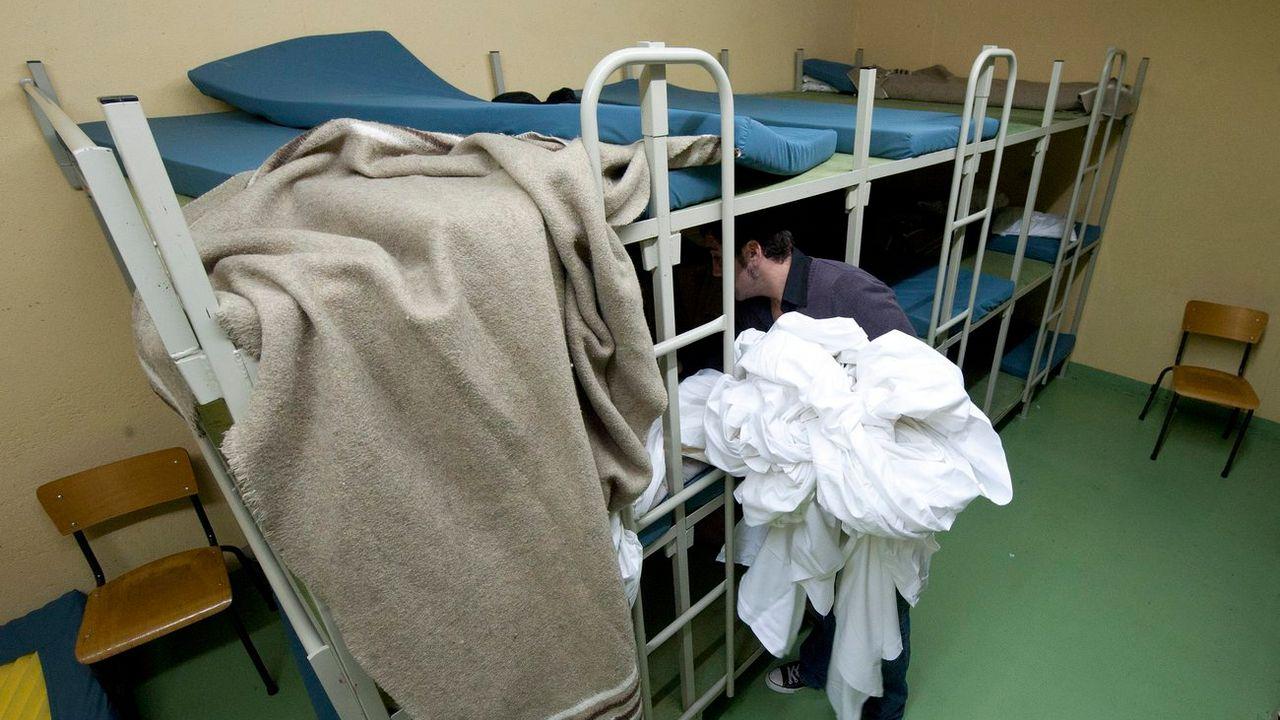 La Ville de Genève propose 70 lits spécialement dédiées aux familles et mineurs. (Image d'illustration) [Laurent Gillieron - Keystone]
