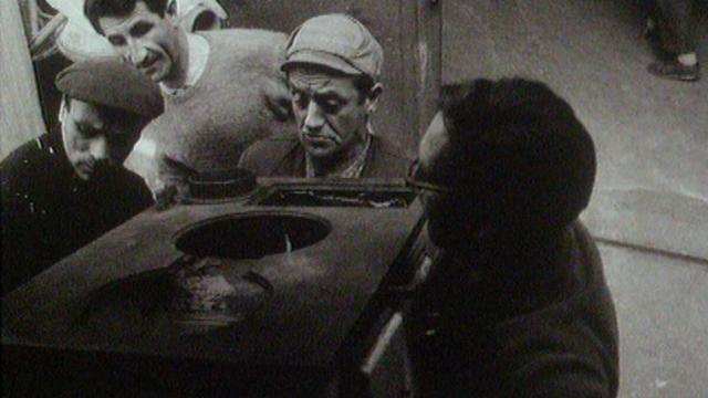 Les compagnons d'Emmaüs de Genève, 1967. [RTS]