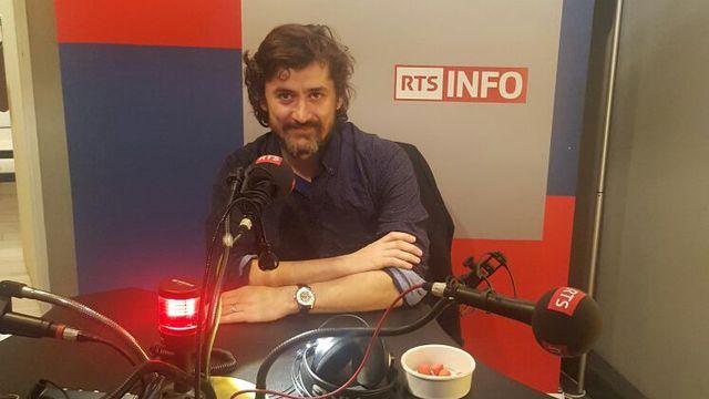 """Samuel Laurent, journaliste au journal Le Monde et fondateur de leur unité de fact-checking """"Les Décodeurs"""". [Alexandre Lemiere - RTS]"""
